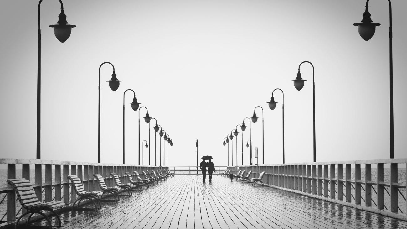 couple-1783843_1920